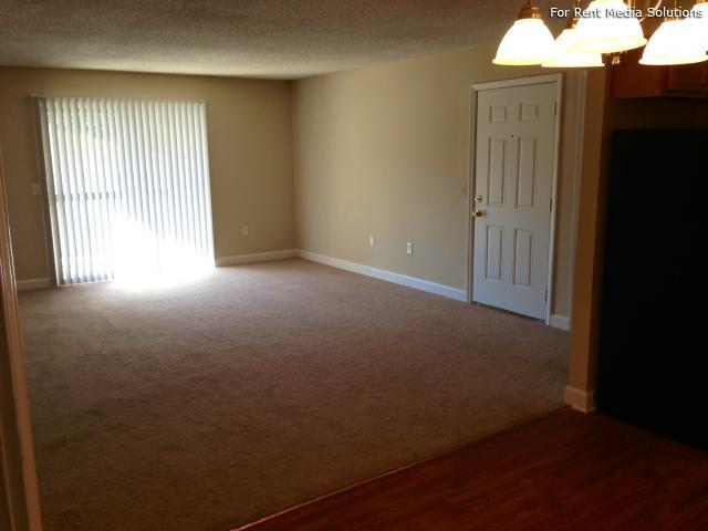 Carriage Place Condominiums, Columbia, SC, 29209: Photo 5