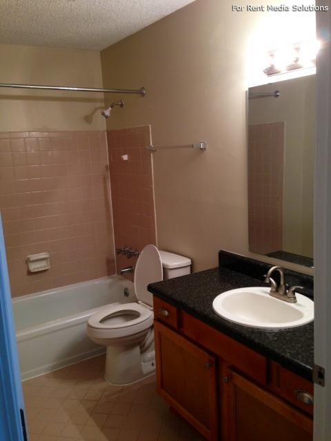 Carriage Place Condominiums, Columbia, SC, 29209: Photo 7