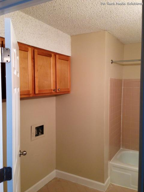 Carriage Place Condominiums, Columbia, SC, 29209: Photo 8