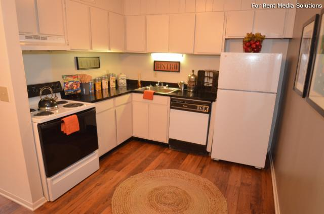 Laurel Park, Riverdale, GA, 30274: Photo 8