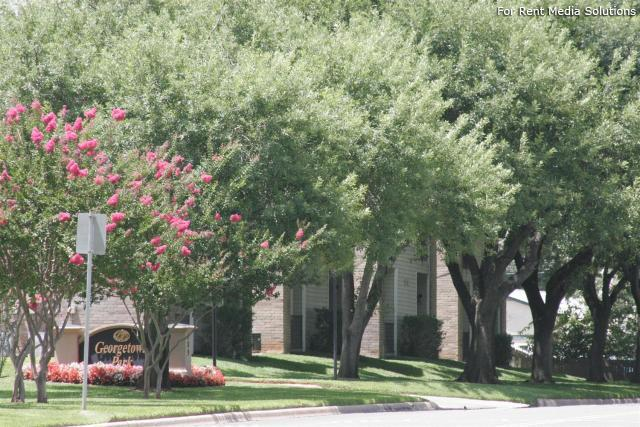 Georgetown Park Apartments, Georgetown, TX, 78628: Photo 29