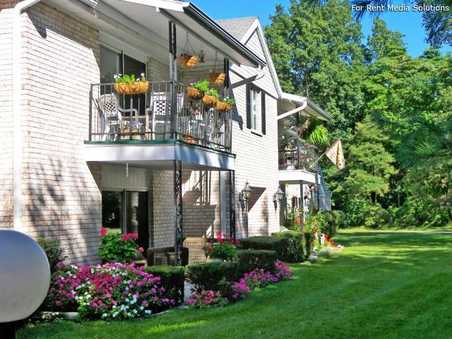 Greenleaf Manor Apartment Homes, Elkhart, IN, 46514: Photo 1