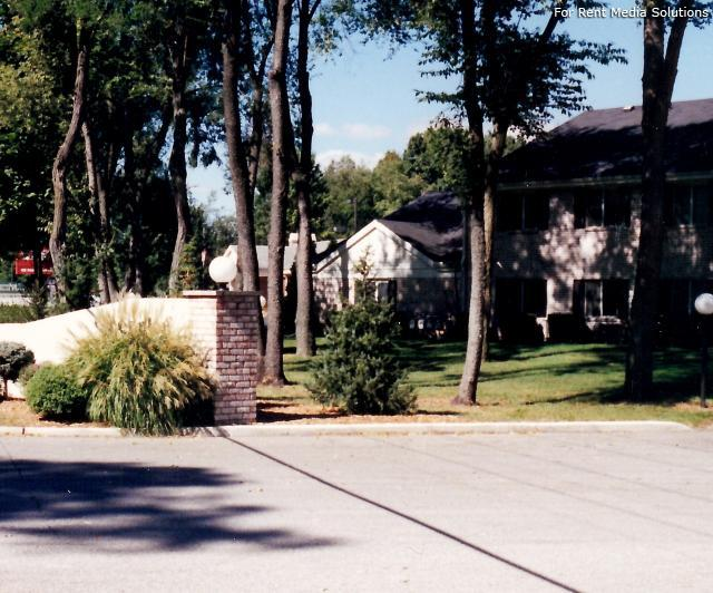 Greenleaf Manor Apartment Homes, Elkhart, IN, 46514: Photo 2