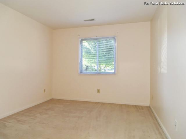 Greenleaf Manor Apartment Homes, Elkhart, IN, 46514: Photo 4