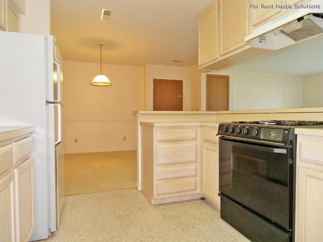 Greenleaf Manor Apartment Homes, Elkhart, IN, 46514: Photo 6