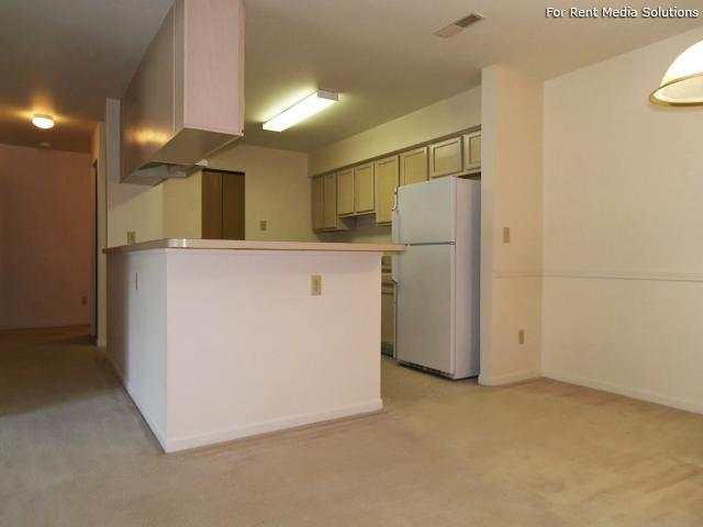 Greenleaf Manor Apartment Homes, Elkhart, IN, 46514: Photo 7
