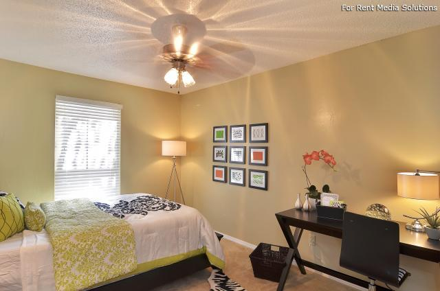Willowick Apartments, College Station, TX, 77840: Photo 17