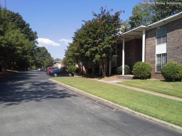 Chateau Orleans, Birmingham, AL, 35243: Photo 10