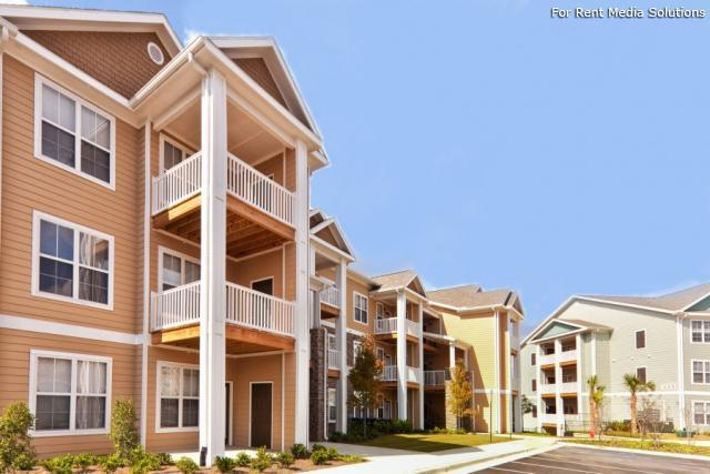 Spring Creek Apartment Homes, Crestview, FL, 32536: Photo 1