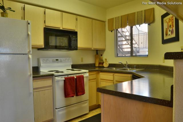 Reserve at Arrowhead, Glendale, AZ, 85308: Photo 9