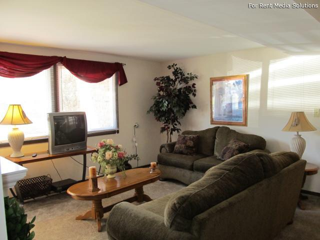 Raintree Island, Tonawanda, NY, 14150: Photo 11