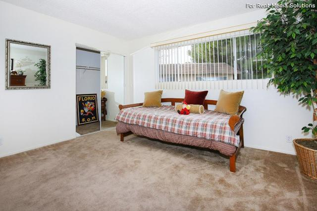 1 26  Racquet Club Apts Lancaster CA Homes com. 1 Bedroom Apartments Lancaster Ca   designaglowpapershop com