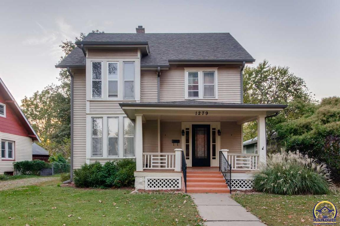 1279 macvicar ave sw topeka ks for sale 109 900 for Topeka home builders