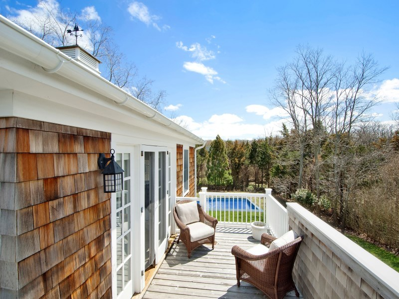 320 kings point road east hampton ny 11937 for sale for Homes for sale east hampton ny