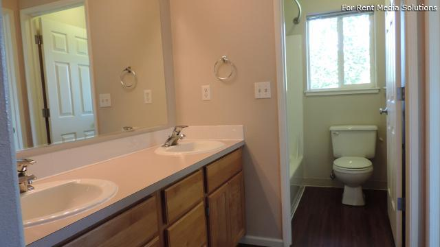 Kentfield Luxury Town Homes, Eugene, OR, 97401: Photo 23