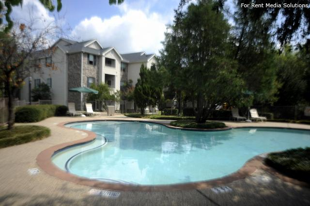 Park at Cliff Creek, Dallas, TX, 75237: Photo 7