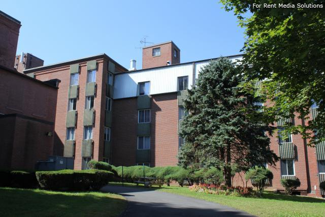 Silver Pond Apartments, Wallingford, CT, 06492: Photo 1