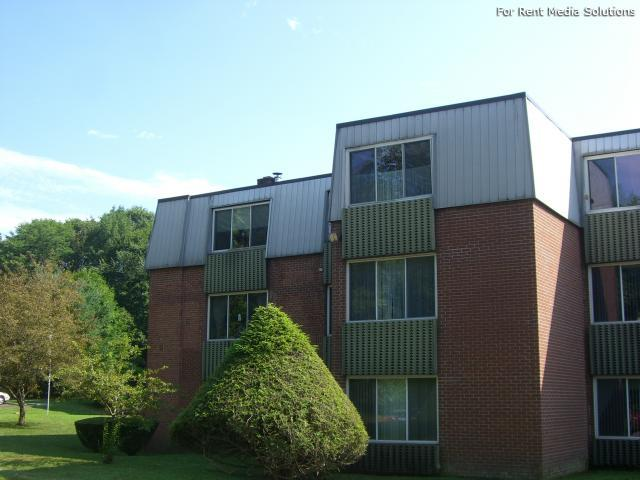 Silver Pond Apartments, Wallingford, CT, 06492: Photo 2