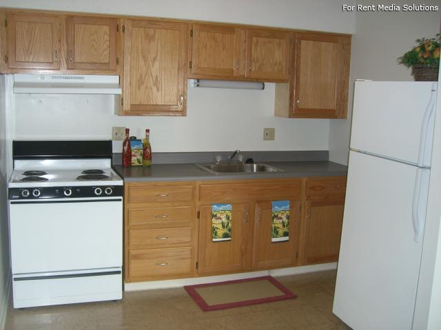 Silver Pond Apartments, Wallingford, CT, 06492: Photo 3