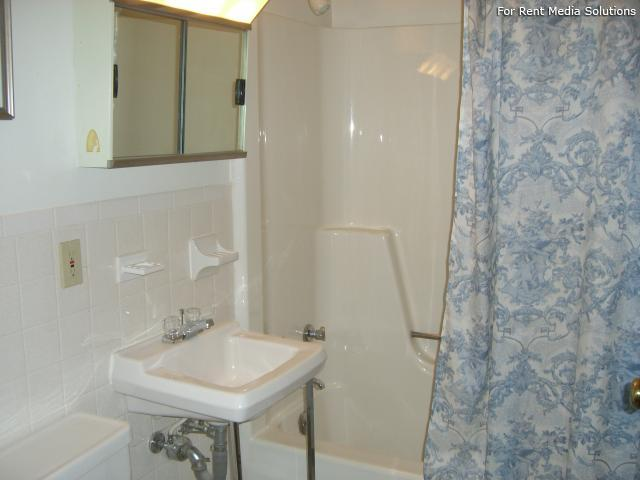 Silver Pond Apartments, Wallingford, CT, 06492: Photo 6