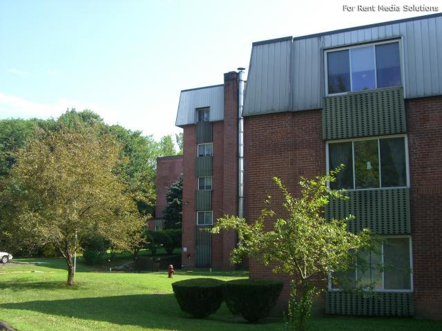 Silver Pond Apartments, Wallingford, CT, 06492: Photo 16