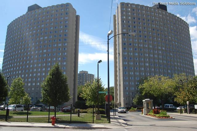 Hilliard Towers Family, Chicago, IL, 60616: Photo 1