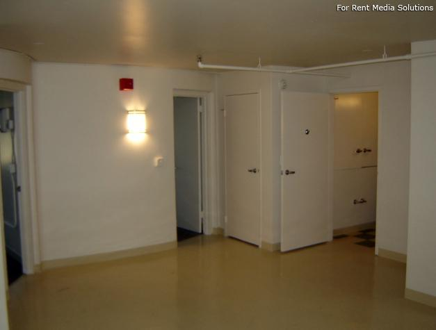 Hilliard Towers Family, Chicago, IL, 60616: Photo 2