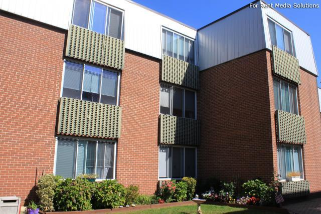 Silver Pond Apartments, Wallingford, CT, 06492: Photo 25