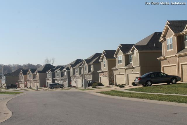Herrington Park Townhomes, Shawnee, KS, 66218: Photo 6