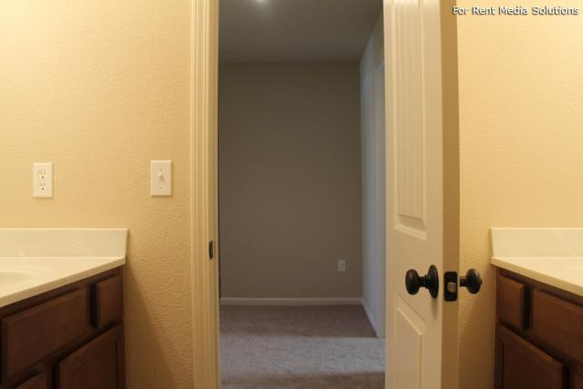 Herrington Park Townhomes, Shawnee, KS, 66218: Photo 7