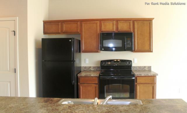 Herrington Park Townhomes, Shawnee, KS, 66218: Photo 10