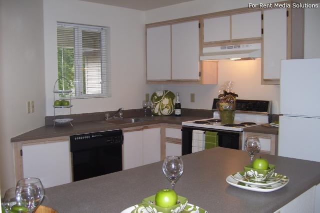 Main Street Village Apartment Homes, Tigard, OR, 97223: Photo 4