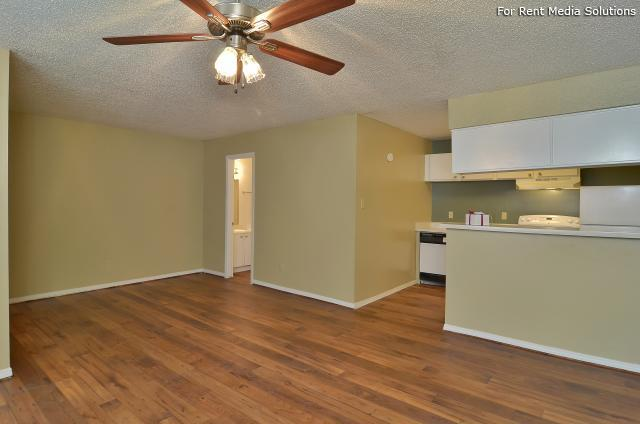 Willowick Apartments, College Station, TX, 77840: Photo 11
