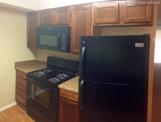 Carriage Place Condominiums, Columbia, SC, 29209: Photo 22
