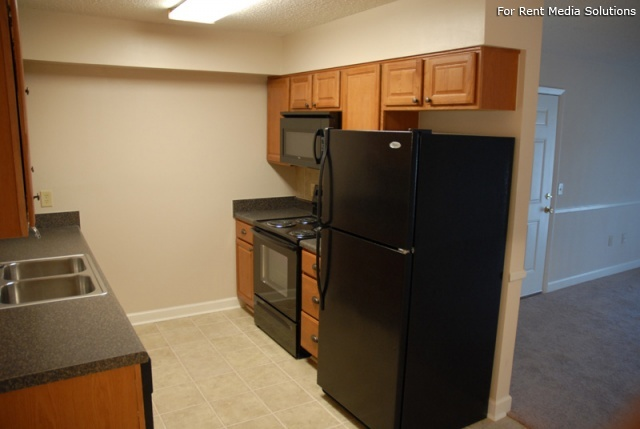 Carriage Place Condominiums, Columbia, SC, 29209: Photo 37