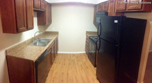 Carriage Place Condominiums, Columbia, SC, 29209: Photo 21