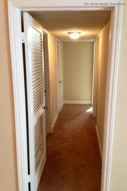 Carriage Place Condominiums, Columbia, SC, 29209: Photo 9