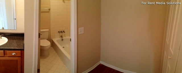 Carriage Place Condominiums, Columbia, SC, 29209: Photo 19