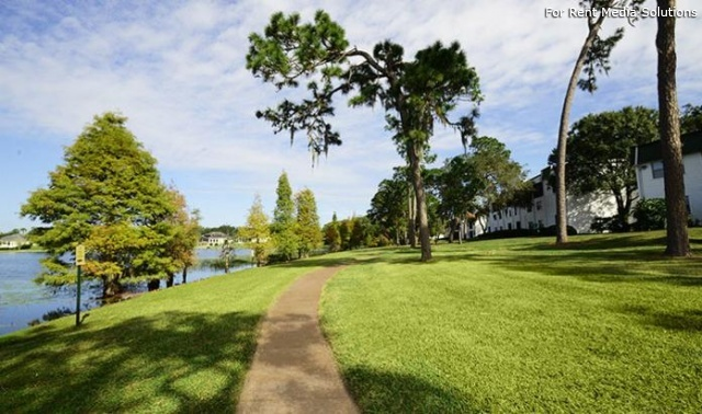 Deerpath On The Lake, Tampa, FL, 33612: Photo 4