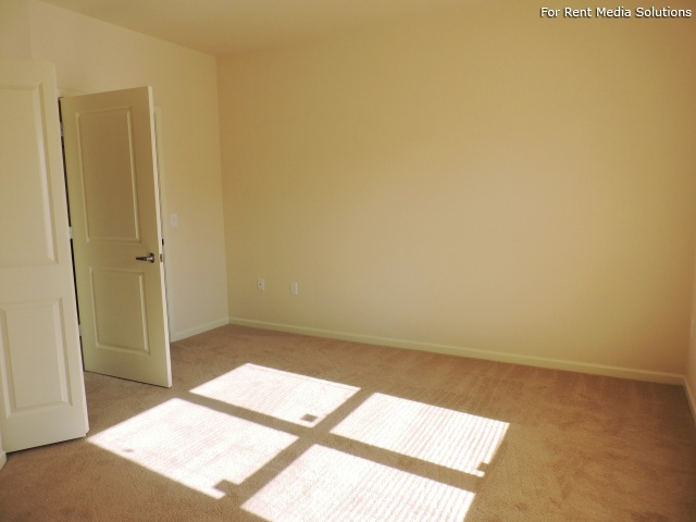 StoneGate Apartments, New Berlin, WI, 53151: Photo 9