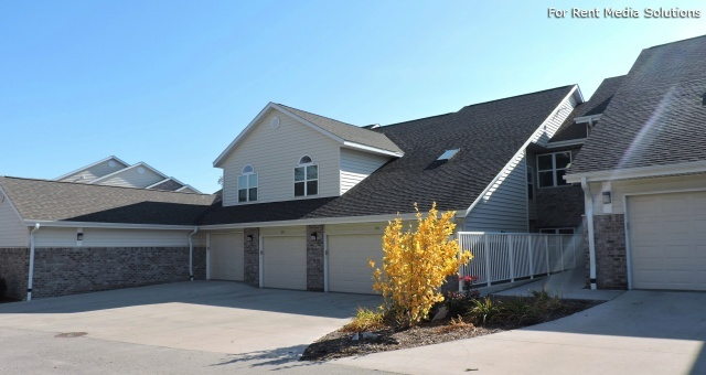 StoneGate Apartments, New Berlin, WI, 53151: Photo 28