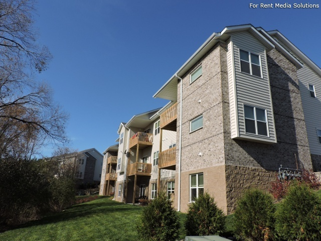 StoneGate Apartments, New Berlin, WI, 53151: Photo 34