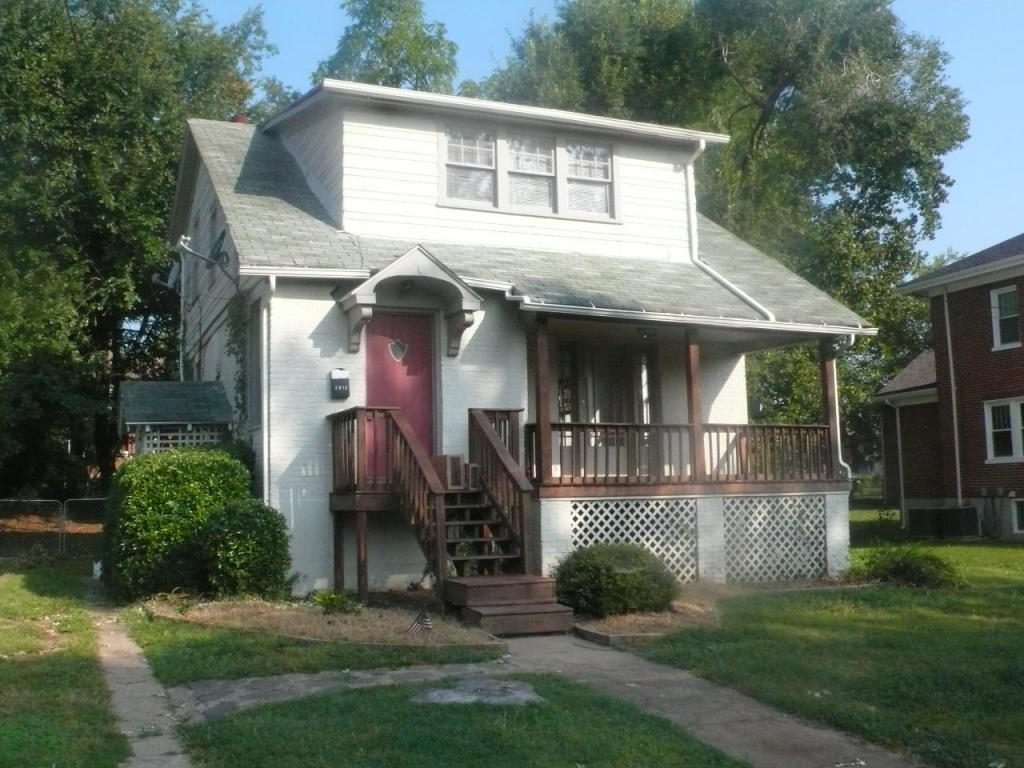 2812 burton ave nw roanoke va for sale 99 950 for Home builder in roanoke va