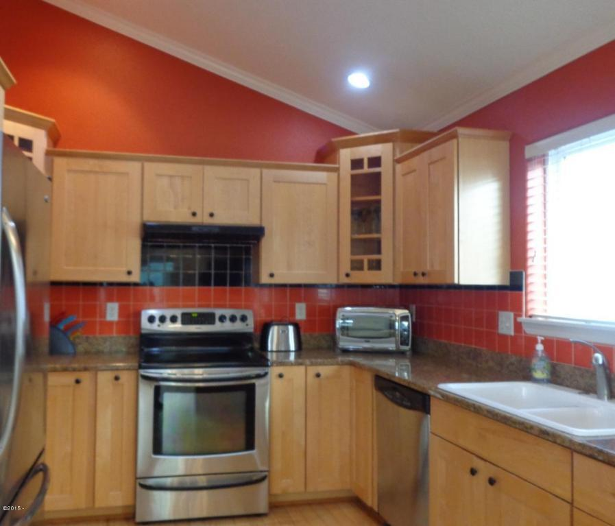 955 Nw Spring, Newport, OR, 97365: Photo 20