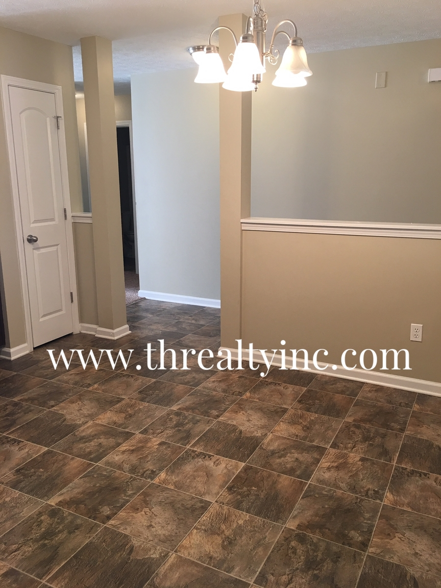 5819 Accent Drive, Indianapolis, IN, 46221: Photo 6