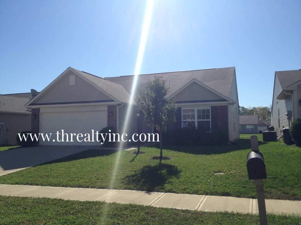 5819 Accent Drive, Indianapolis, IN, 46221: Photo 2