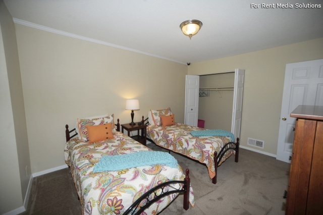 Crown Point Townhomes, Norfolk, VA, 23502: Photo 18