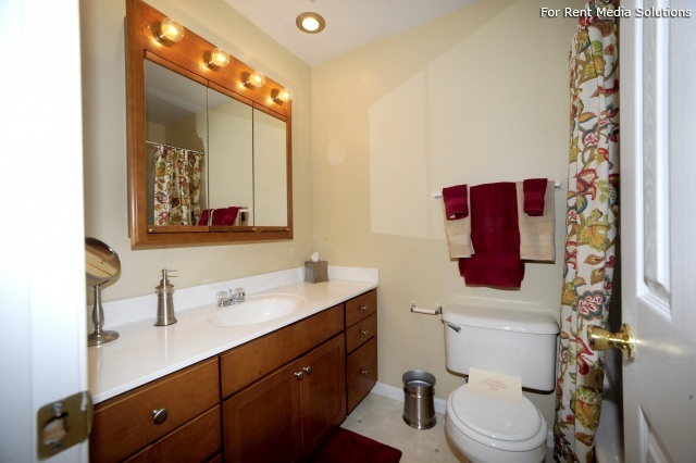 Crown Point Townhomes, Norfolk, VA, 23502: Photo 21