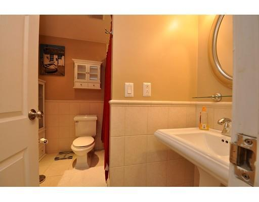 90 quincy shore dr quincy ma 02171 for sale for Perfect kitchens quincy