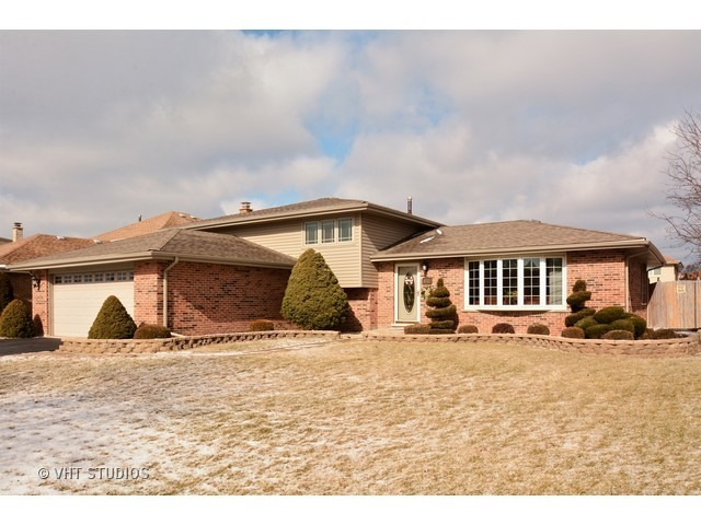 8712 Bethany Lane Tinley Park IL 60487 For Sale